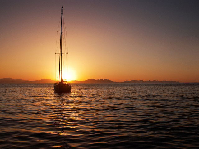 Tropical sunset in the Whitsunday islands, Queensland, Australia