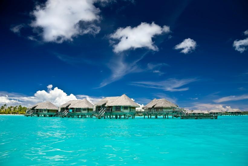 Sailing in beautiful Bora Bora in French Polynesia